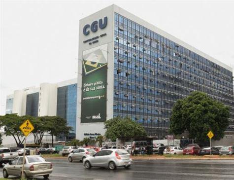 Mudança na Lei de Acesso por Bolsonaro visa reduzir burocracia, diz Controladoria