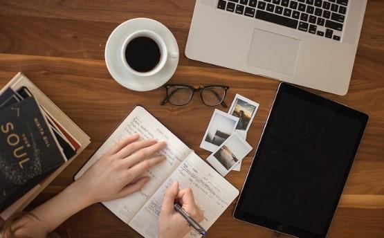 Pengertian Teks Deskripsi, Struktur, Ciri, Jenis dan Contoh Teks Deskripsi