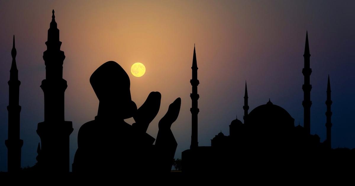 10 Keutamaan Bulan Suci Ramadhan