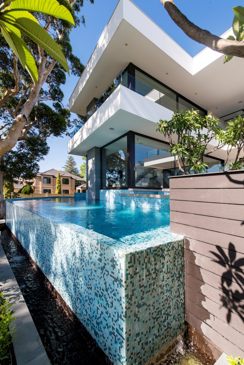 Infinity pool by Urbane Projects