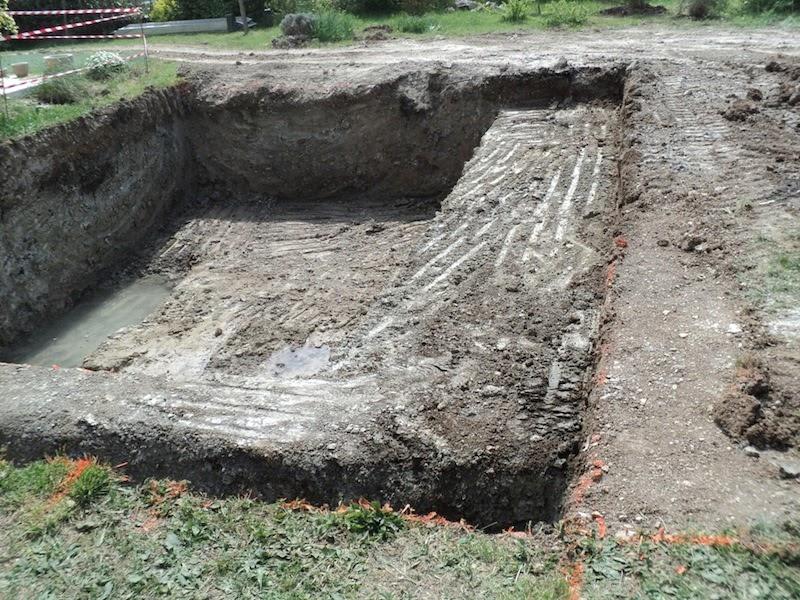 piscine naturelle en r gion paca venez suivre les tapes de construction d 39 une piscine. Black Bedroom Furniture Sets. Home Design Ideas
