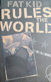 Book cover of Fat Kid Rules the World by K.L. Going