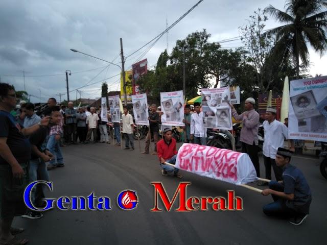 Ratusan Pemuda Gelar Aksi,Desak Polisi Usut Kasus Terbununya Sopir Pejabat Utama Lampura