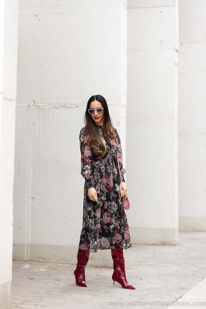 los mejores Looks estilismos femeninos primavera  combinando un Vestido flores Zara influencer lifestyle moda valenciana