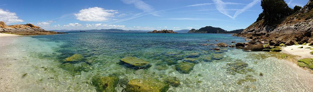 Agua transparente en Cíes