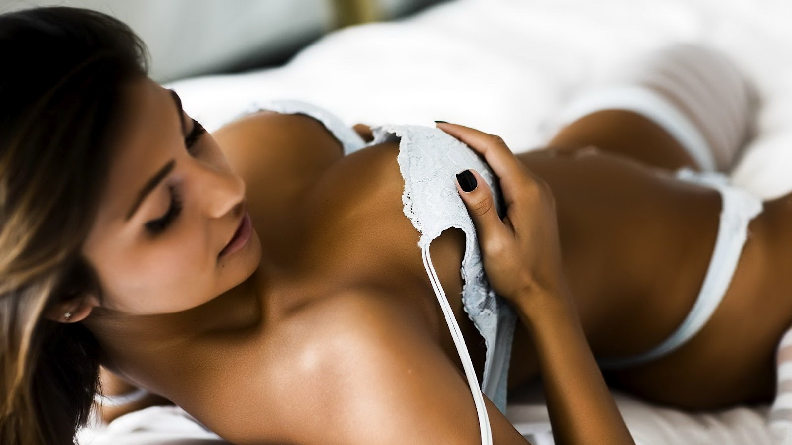 HD Wallpapers of Hot Girls - A | HD Wallpapers