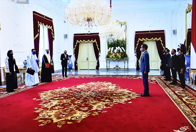 Jokowi Receives Letters of Credence from Seven Ambassadors at Merdeka Palace Jakarta