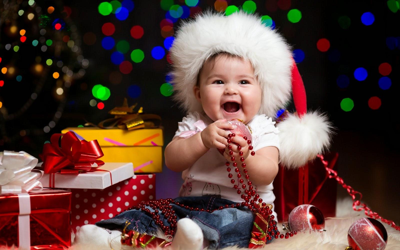 Gambar bayi lucu merayakan hari natal