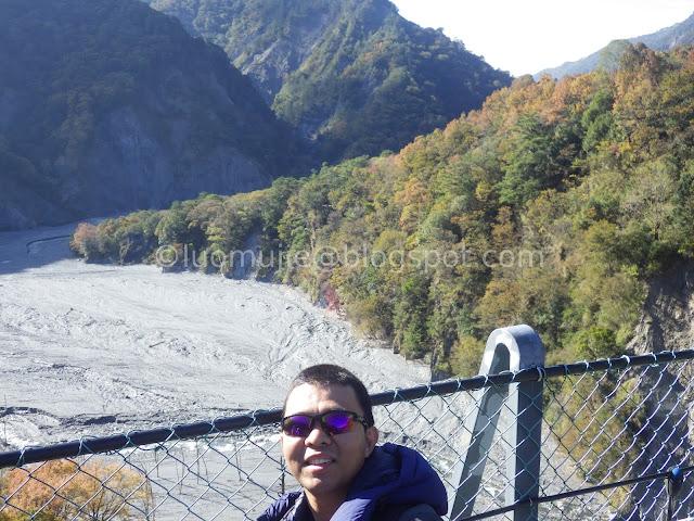 Taiwan Aowanda (奧萬大) maple season - view from Aowanda Suspension Bridge