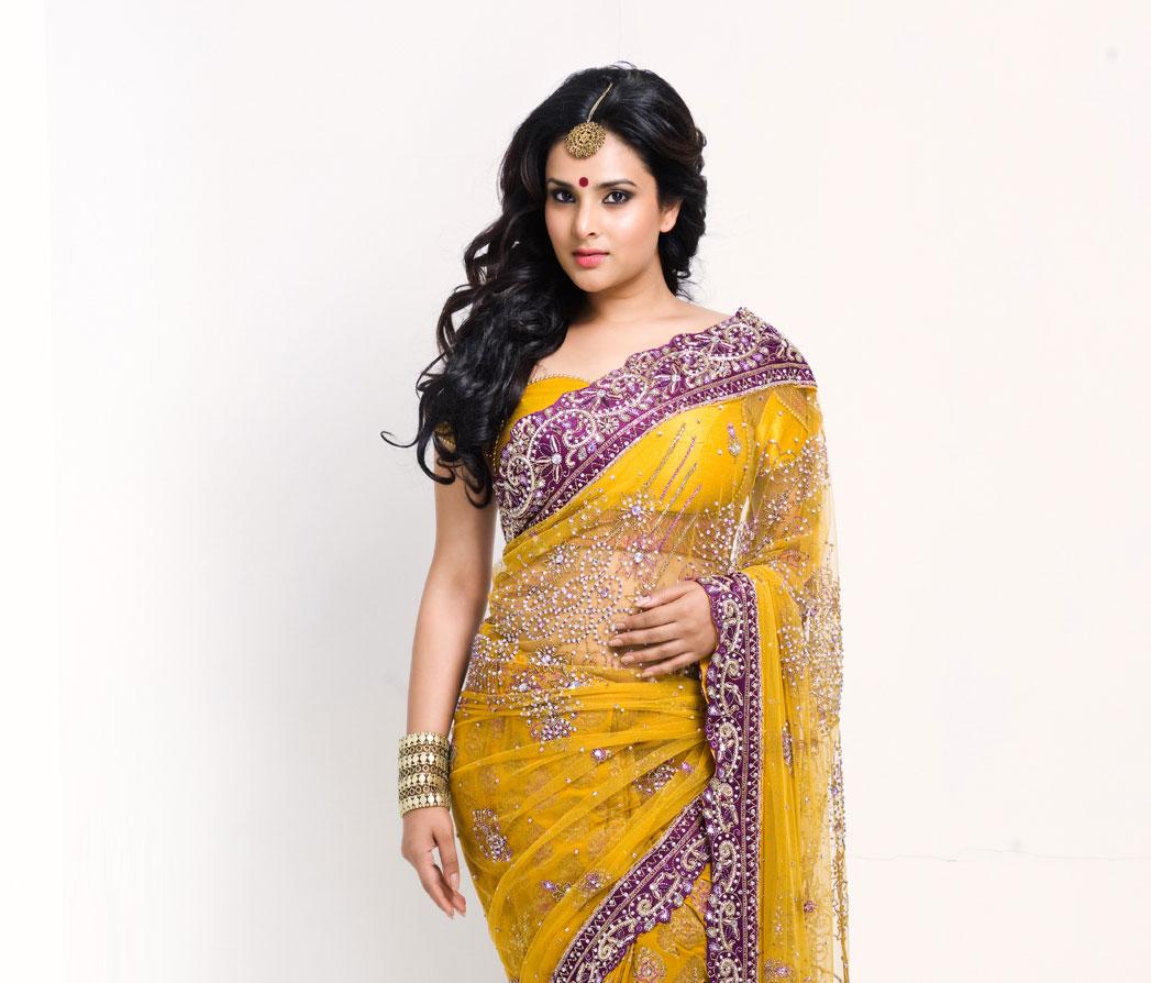 Cute divya in yellow saree