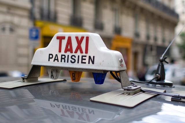 Táxi em Paris