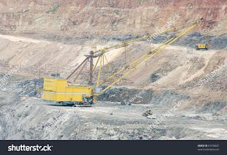 Dragline excavator in a opencast coal mine (Credit: Shutterstock) Click to enlarge.