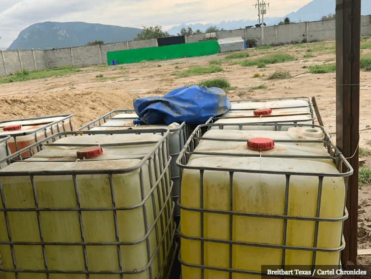 Fuerte olor a químicos puso al descubierto narcolaboratorio en Nuevo León.