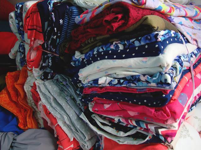 Chuẩn bị có các set 10kg, 15kg vải khúc lớn, nhỏ trên 1m Thun cotton hình hàn quốc rất đẹp nha