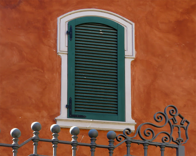 Window and part of the gate, Villa Regina Park, Borgo dei Cappuccini, Livorno