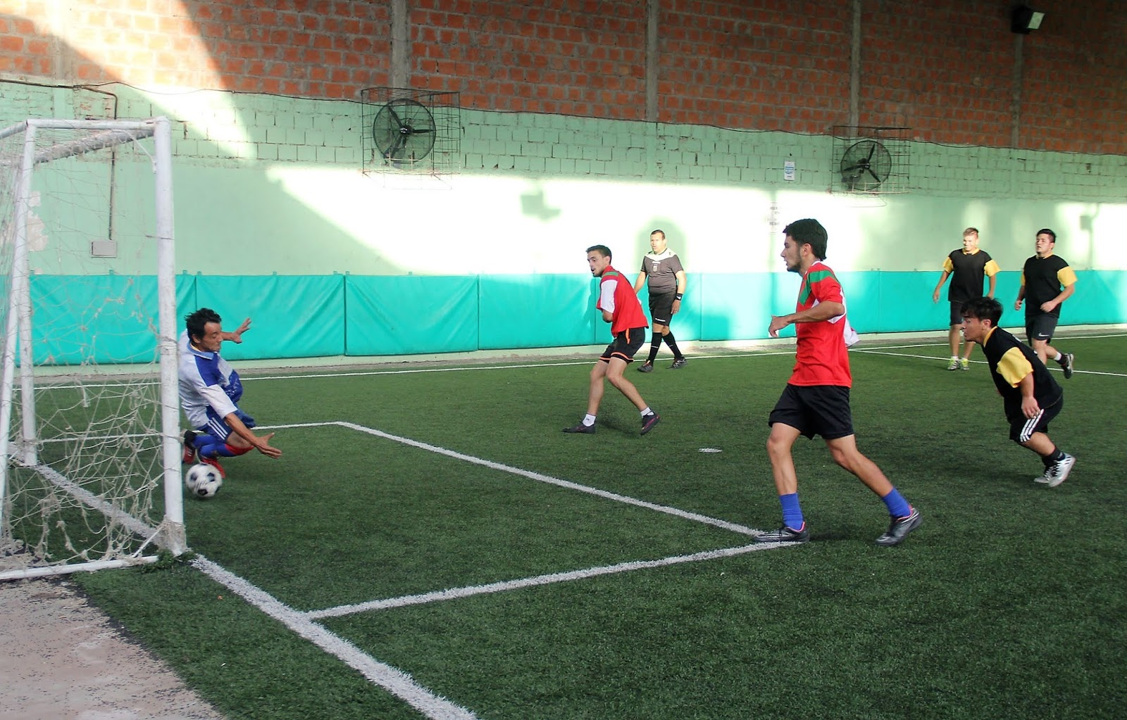 ... a jugarse el torneo de fútbol 5 reservado para los trabajadores de la  prensa correntina que lleva adelante la Asociación de Periodistas de  Corrientes a424acbb8190f