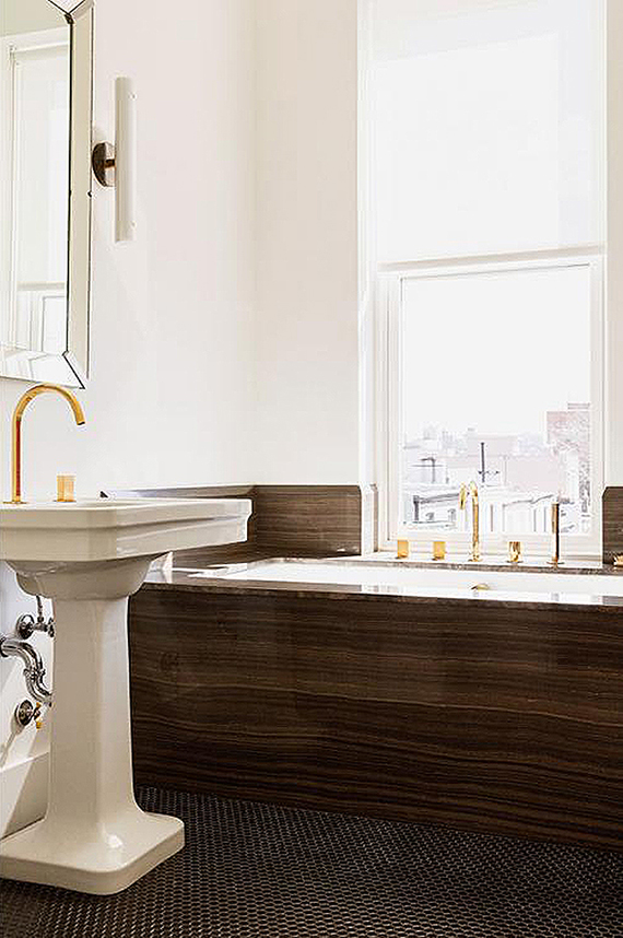 Brown marble and brass fixtures bathroom | Elizabeth Roberts