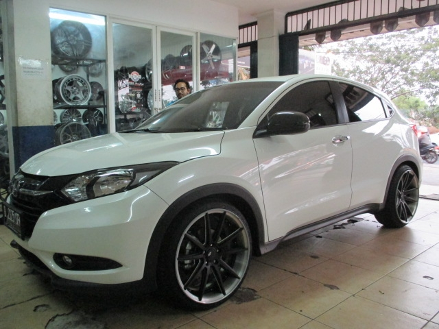 Honda Hrv Modifikasi Velg Rays Ring 19