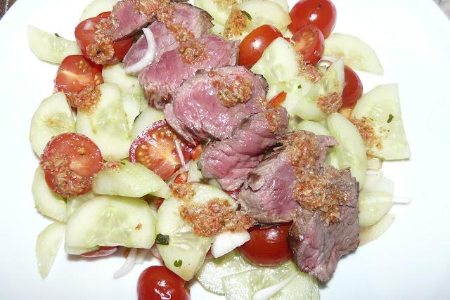Salade de boeuf à la thaï et sa sauce à l'ail