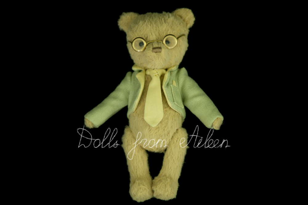 ooak artist teddy bear dressed like an English gentleman