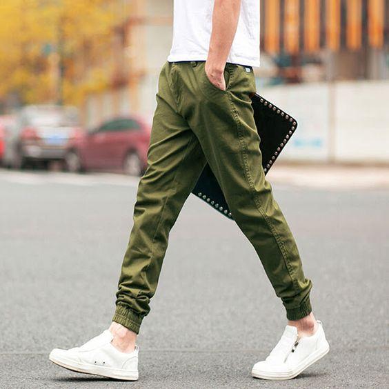 Look Masculino com Calça Verde Militar