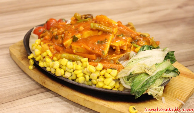 Chili Garlic Sizzler, mumbai delights, plaza mont kiara, indian street food, north india street food, indian spices, indian food,