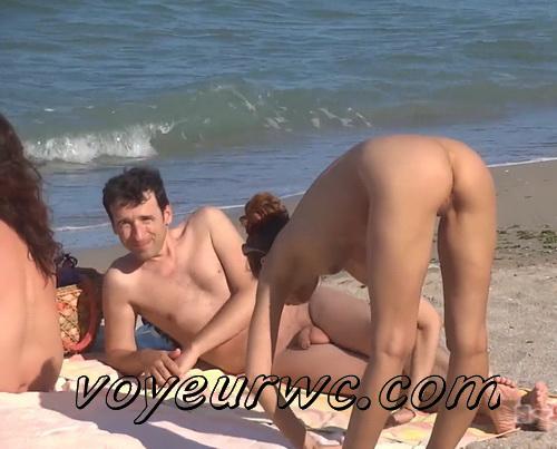 Exquisite random girls on the nudist beach sunbathing (NudeBeach bb15001-15010)