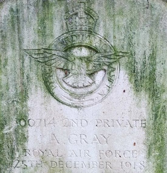 Photograph of The grave of Private 2nd Class Arthur Gray Image by the North Mymms History Project, released under Creative Commons BY-NC-SA 4.0