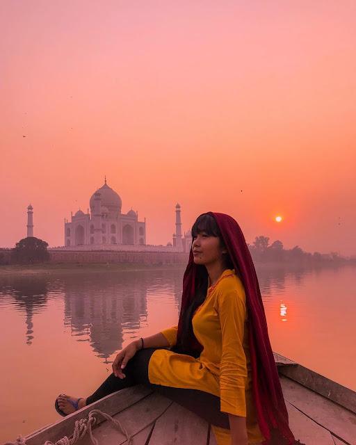 backpacker ke India, taj mahal India, spot foto di taj mahal, rekomendasi traveling ke luar negri, traveling ke Luar negri, negara yang wajib dikunjungi, Traveling ke India