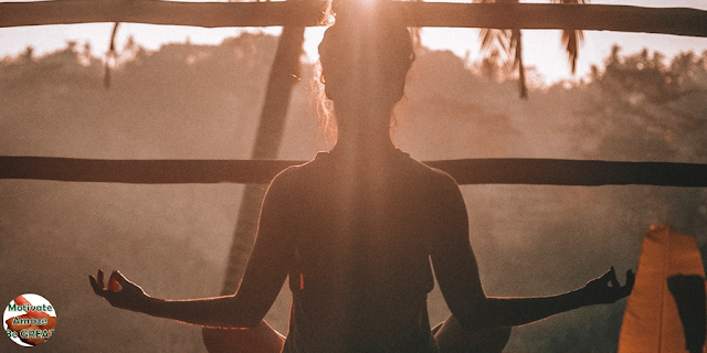 """Header image of the article: """"5 Simple Ways To Bring Mindfulness Into Your Life… Right Now"""". Mediation, practice. List of tips."""