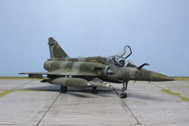 Maquette du Mirage 2000D d'Heller au 1/48.
