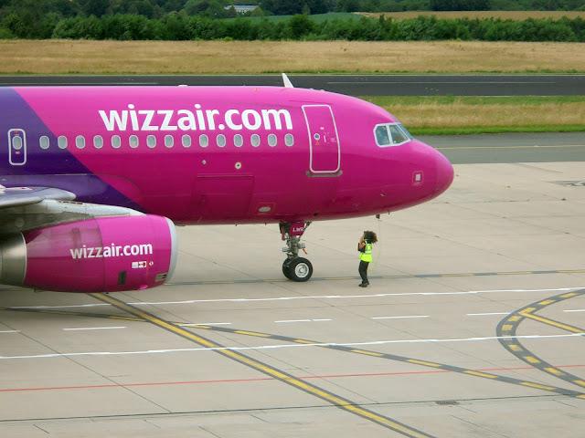 Wizzair - Airbus A320 - HA-LWR