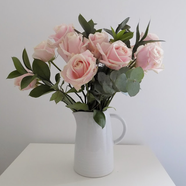 Pink avalanche roses www.whatlizzyloves.com