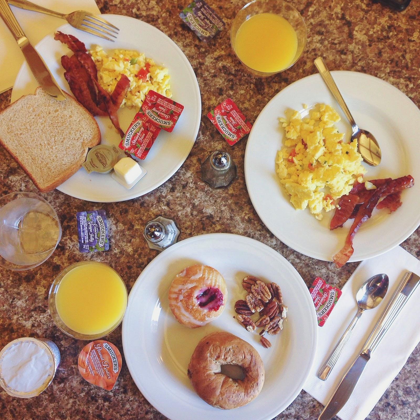 hotel breakfast food