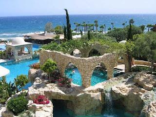 جزيرة في البحر الابيض المتوسط