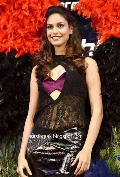 Nude Sakarepe: Amruta Patki In Tvashtar 2011