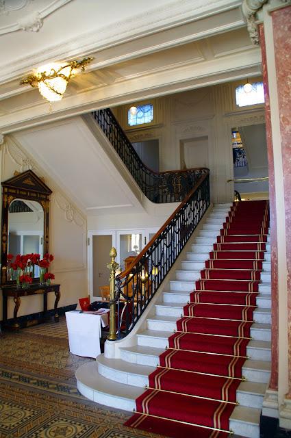 Hotel Schweizerhof Luzern Stairs