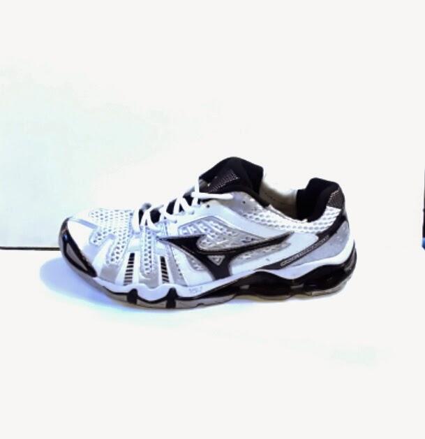 Jual sepatu  Sepatu Mizuno Wave Tornado 8 volly ball 97d2a4ca8f