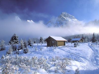 Mooie Sneeuw Achtergrond met berghutjes