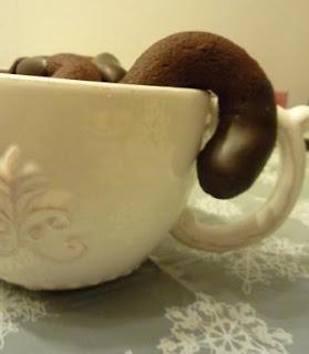 Weihnachtsbäckerei Rezept für Schoko-Kirsch-Kringel