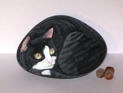 Come dipingere sui sassi gatto nero