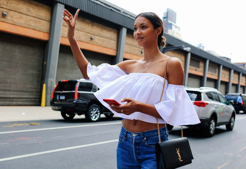 Street Style: Lais Ribeiro's Off-the-Shoulder Crop Top