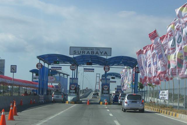 Gerbang Tol Jembatan Suramadu | kaskus.co.id