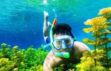 http://mandiriransel.blogspot.co.id/2015/12/sumber-sirah-surganya-snorkling-di-air.html