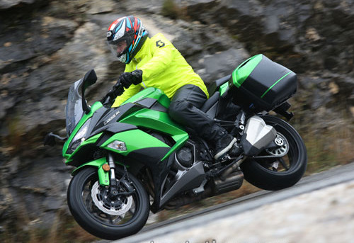 Kawasaki Z1000SX 2017 Review And Price - The War of Auto's