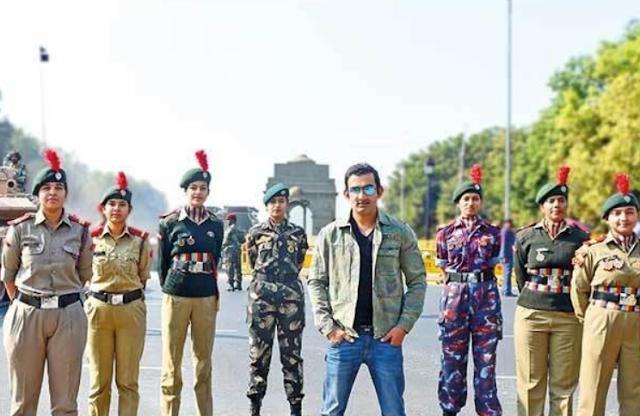 gautam gambhir with indian army