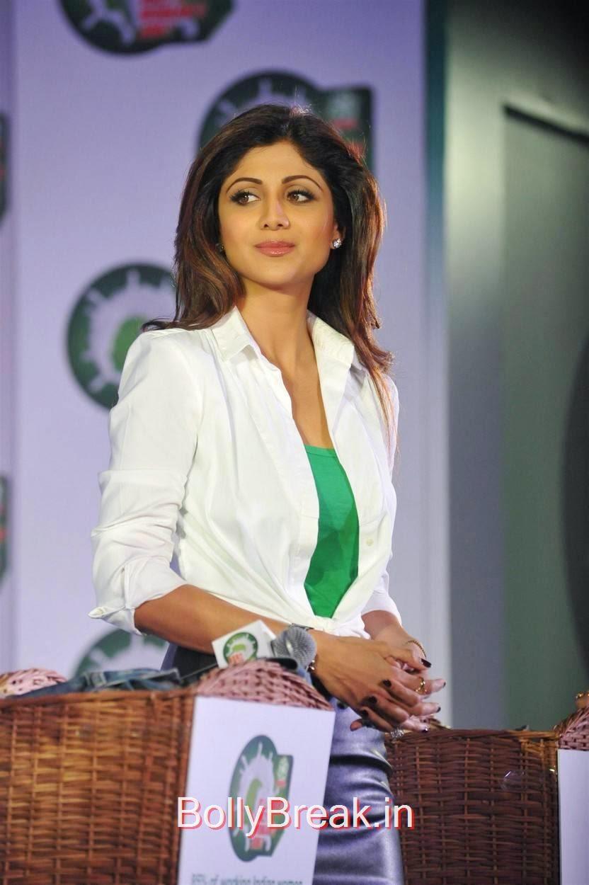 Hindi Actress Shilpa Shetty, Shilpa Shetty Hot Pics in Skirt  At Ariel Promotional Event National Survey