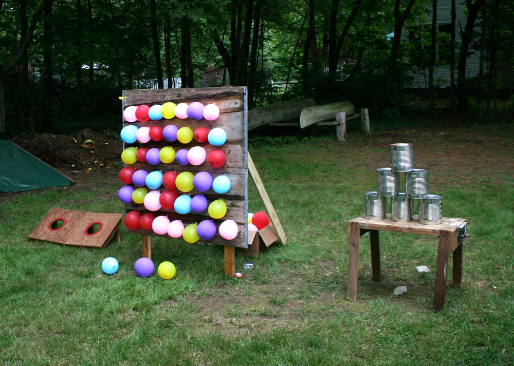 Decorations For A Fun Outside: Balloon Designs Pictures: Balloon Dart Board