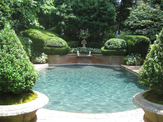 outdoor-living-space-pool