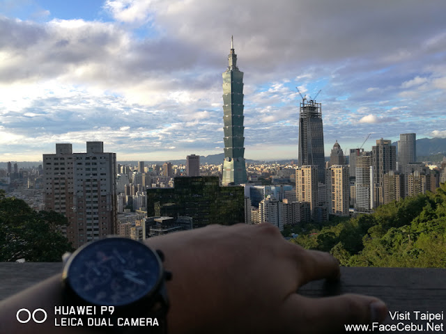 First Observatory Stop : Took a bokeh shot with my Taipei 101 with blurred Timex Watch